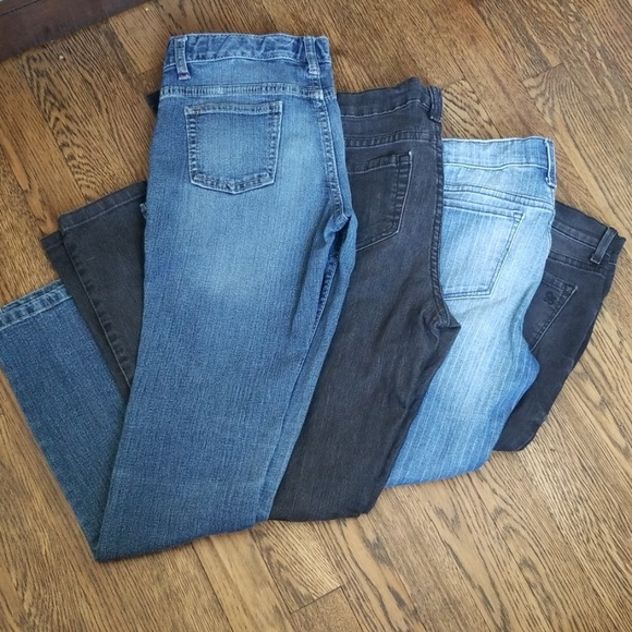 Old Navy Other - 4 pairs of Skinny Blue & Black Jean's for Girls